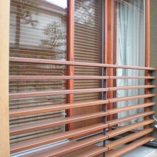 木の雰囲気漂う外壁工事